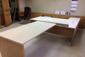 Офисный стол для руководителя